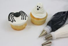 Halloween Cupcakes - use chocoate frosting rather than black!