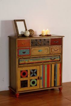 Comoda Taquillon Halskette aus Holz: INDI II Kollektion The post Halskette appeared first on WMN Diy. Art Furniture, Hand Painted Furniture, Funky Furniture, Unique Furniture, Repurposed Furniture, Furniture Projects, Furniture Makeover, Furniture Online, Kare Design
