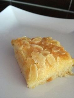 Buttermilchkuchen Buttermilk cake – made super fast and ideal for bringing along, cake bazaar, birthday or baking with children. Best Cake Recipes, Sweet Recipes, Dessert Recipes, Pizza Recipes, German Baking, Sweets Cake, Cake Cookies, Cupcakes, Yummy Cakes