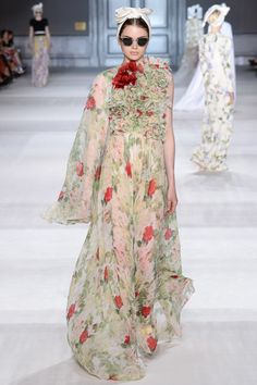Giambattista Valli Fall 2014 Couture - Runway Photos - Vogue