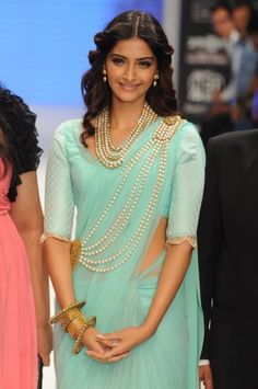 Amrapali collection, Sonam Kapoor in pearls and a mint sari. perfection! #Top10Jen