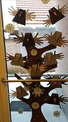 Preschool Bible Activities, Hands On Activities, Autumn Crafts, Bird Feathers, Kindergarten, Display, Winter, Animales, Crafting