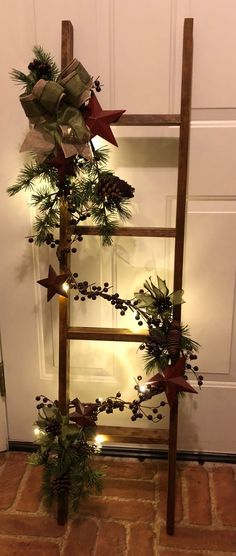 Creative Christmas DIY Decorations Easy and Cheap - Holiday Ladders - Christmas Decorations - Home Decor Dollar Store Christmas, Cheap Christmas, Outdoor Christmas, Christmas Decorations To Make, Christmas Projects, All Things Christmas, Christmas Home, Christmas Wreaths, Christmas Ornaments