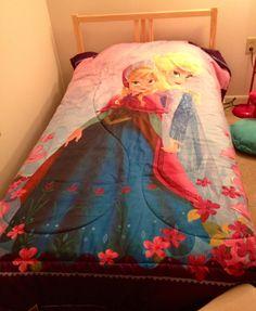 Disney Frozen room-Frozen bedding from Target