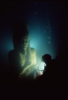Colossal statue of god Hapy, Thonis-Heracleion, Aboukir Bay, Egypt - Heracleion y Canopus, las dos ciudades hundidas del antiguo Egipto - 20minutos.es