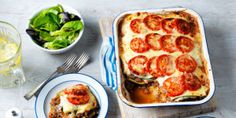 Lasagne with a twist – chicken thighs, oregano, tomato sauce, fresh pasta & cheese sauce. Find dinner ideas for two & lasagne recipes at Tesco Real Food. Healthy Recipes For Weight Loss, Healthy Dishes, Healthy Dinner Recipes, Healthy Meals, Delicious Meals, Healthy Cooking, Healthy Eating, Lasagne Recipes, Pasta Recipes