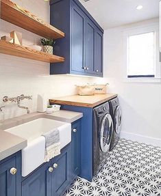 Loving these cobalt blue cabinets in this laundry room remodel. Blue Laundry Rooms, Modern Laundry Rooms, Laundry Decor, Small Laundry, Laundry Room Design, Laundry Area, Laundry Table, Laundry Room Remodel, Laundry Room Cabinets