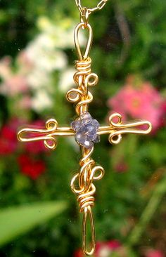 i have been looking for a cross to make for my sister.  I think this is perfect and will inspire the one I want to make