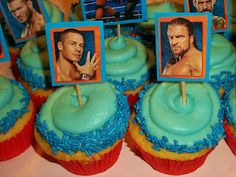 Lola Pearl Bake Shoppe: Boys love cupcakes, too! Plus WWE cupcake toppers