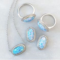 Kendra Scott Elaine blue opal earrings 💕 Sold out at stores-great piece Kendra Scott Jewelry Earrings Cute Jewelry, Jewelry Box, Jewlery, Jewelry Accessories, Body Jewelry, Piercings, Body Chains, Opal Jewelry, Opal Necklace