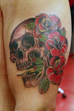skull & roses - Nate Fierro High Voltage Tattoo