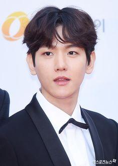 Stars Walk The Red Carpet At The 2017 Asia Artist Awards | Soompi