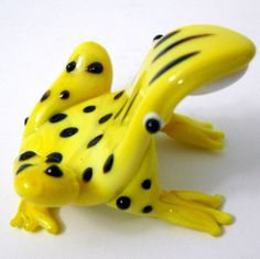 New Hand Blown Glass Yellow Frog Multiple Black Spots on Back White Belly