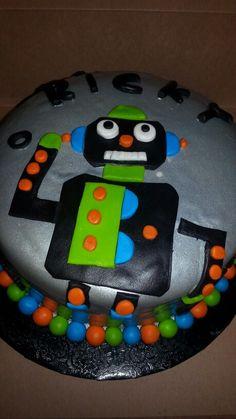 Robot cake Robot Cake, Jelly, Birthday Cake, Desserts, Food, Tailgate Desserts, Deserts, Birthday Cakes, Essen