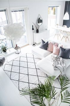 My scandinavian living room with plants and pink details. Living Room Plants, Small Living Rooms, Living Room Decor, Living Spaces, Interior Decorating, Interior Design, White Houses, White Decor, New Room