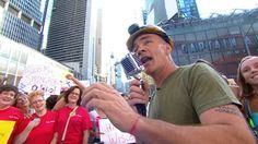 ironworker croons for crowds