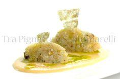 Crudo di baccalà al profumo di limone e timo, con pistacchi e fiocchi di sale, accompagnato da crema di ceci e olio al prezzemolo