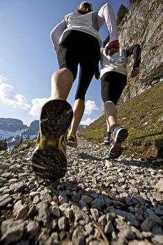 Popular Cross Country Running Tips Running Pose, Running Photos, Running Workouts, Running Tips, Trail Running, Running Websites, Running Art, Running Memes, Running Inspiration