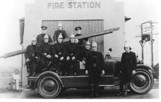 #Throwback Thursday!! Let's go back to 1910 and the Howick Fire Station.  The photo shows ten Firemen posing with a Fire Engine outside the station. 🚒  #howickhistoricalvillage #howick #openairmuseum #fromthecollection #eastauckland Fire Engine, Salt Lake City, Old Photos, Firemen, Poses, Throwback Thursday, Concert, Utah, Retro