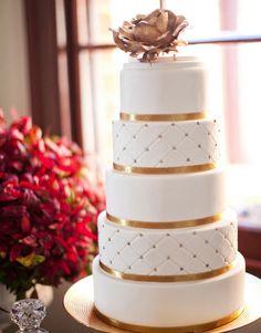Feast Your Eyes on 21Delicious Wedding Cake Ideas - MODwedding