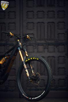 Hardtail Mountain Bike, Mountain Biking, Black Dwarf, E Mtb, Bike Stuff, New Hobbies, Cool Bikes, Bicycles, Cycling