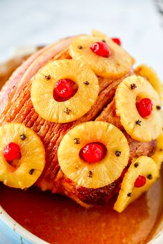This Old-Fashioned Holiday Ham is the perfect Baked Ham Recipe. Spiral sliced ham glazed with brown sugar and pineapple juice, and decorated with colorful pineapple slices and cherries. Baked Ham Recipe You won't believe Ham Brown Sugar Pineapple, Baked Ham With Pineapple, Pineapple Glaze, Pineapple Recipes, Pineapple Slices, Canned Pineapple, Easy Ham Recipes, Dinner Recipes Easy Quick, Cooking Recipes