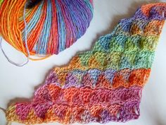 "Crochet Pattern * Triangle Scarf ""Harlequin"" reversible"