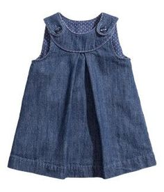 Shop kids clothing and baby clothes at H&M – We offer a wide selection of children's clothing at the best price. Toddler Dress, Toddler Outfits, Kids Outfits, Baby Outfits, Frocks For Girls, Kids Frocks, Baby Girl Dress Patterns, Little Girl Dresses, Baby Girl Fashion