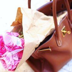 🌸 Hello March! 🌸 #marchfirst #march1st #march #flowerpower #flowers #spring #springvibes #birkin #hermesbirkin #bag #luxurybag #baglover #hermesbag #luxury #fashion #style #shopping #rentabag #secondhand #mystarbags #starbags_eu Hello March, Second Hand, Birkin, Luxury Fashion, Photo And Video, Spring, Flowers, Instagram, Style