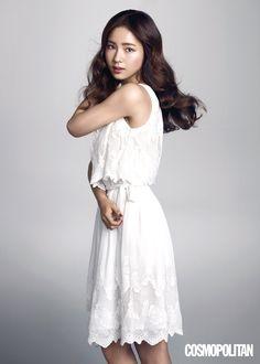 Shin Se Kyung Cosmopolitan Korea August 2015 Look 3