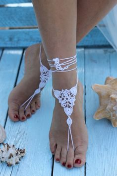 Discover recipes, home ideas, style inspiration and other ideas to try. Barefoot Sandals Wedding, Beach Wedding Shoes, Crochet Barefoot Sandals, Barefoot Beach, Ankle Jewelry, Feet Jewelry, Beach Jewelry, Beautiful Toes, Pretty Toes