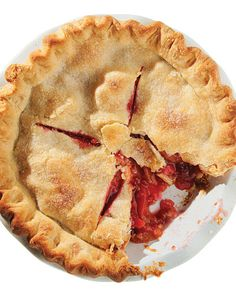 The classic combination of peach and raspberry won Minnesotan Jean Peno a blue ribbon for her scrumptious pie.