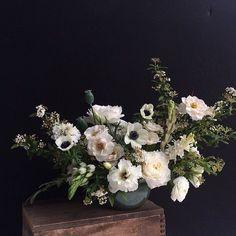 Amazing Flowers, White Flowers, Beautiful Flowers, White Roses, Fresh Flowers, Floral Flowers, White Flower Arrangements, Floral Centerpieces, Centerpieces