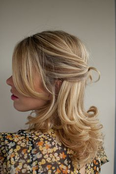 I am simply in love with this hairstyle! If I could wear my hair like this, I soo would!!! Ugh, I love this sooo much,