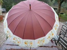 Transparent Umbrella, Umbrellas Parasols, Old And New, Projects To Try, Simple, Rain Drops, Design, Random, Fashion