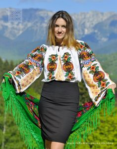 IA the Romanian Blouse. Here you can buy Romanian peasant blouses ie and folk costumes traditional clothes. Worldwide shipping for embroidered Romanian blouse Polish Embroidery, Romanian Girls, Ethnic Fashion, Womens Fashion, Bohemian Style, Boho, Folk Costume, Peasant Blouse, Blouse Online