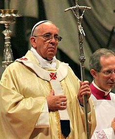 Pope Urges Egyptian Christians to 'Be Strong, Do Not Fear!' - The Holy Father and the Coptic Catholic Patriarch celebrated Mass together advocating peace and reconciliation in Egypt.