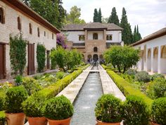 Fountain and gardens at the Alhambra