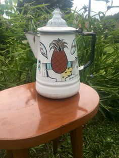 Hey, I found this really awesome Etsy listing at https://www.etsy.com/listing/481279173/vintage-george-briard-percolator-vintage