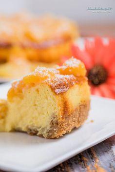 Cheesecake con pesche sciroppate