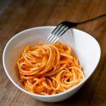 Tomatensauce aus Dosentomaten vom Michelin Sternekoch