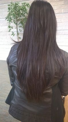 long layered hair cut, v cut, straight hair