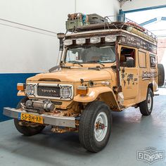 We would adventure in this Land Cruiser so fast! Toyota Trucks, Toyota Cars, Toyota 4runner, Jeep 4x4, Jeep Truck, Toyota Land Cruiser, Fj Cruiser, Hummer, Cruiser Boards
