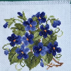 Counted cross stitch - February flower: violets