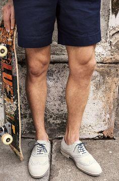 mens blazer, trousers, shoes and vespa. all in one Gentleman BAG Mens fashion / m. Fashion Mark, Men's Fashion, Urban Fashion, Fashion Models, Fashion Outfits, Fashion Design, White Dress Shoes, Johnston Murphy, Mode Style