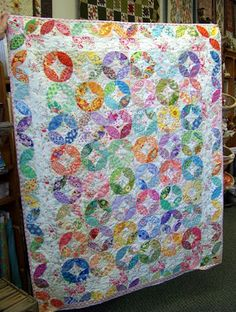 "Tea Leaf quilt... each leaf block is probably 4""... is a small quilt... note how the inner border blends so there's not a distinct line between the inner tea leaves and the outside border"