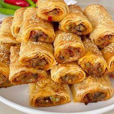 Food Platters, Pretzel Bites, Sausage, Food And Drink, Turkey, Yummy Food, Bread, Cooking, Breakfast