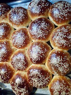 Ατομικά τσουρεκάκια αφρός, πιο τέλεια δεν γίνεται! Pretzel Bites, Doughnut, Bakery, Recipies, Favorite Recipes, Easter, Bread, Desserts, Food