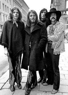 pink floyd in Sweden, I first heard Pink Floyd on cassette tape in a VW bus held… – Rock Music Rock And Roll, Rock N Roll Music, Richard Wright, David Gilmour Children, Pompeii, Rock Bands, Musica Punk, David Gilmour Pink Floyd, The Dark Side