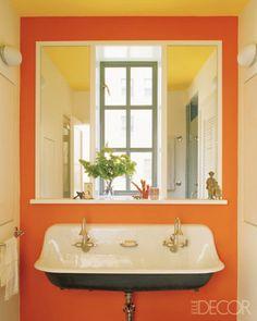 Timeless y cuarto de ba o tradicional Ideas Orange Bathrooms, Dream Bathrooms, Beautiful Bathrooms, Orange Rooms, Orange Walls, Best Bathroom Paint Colors, Colorful Bathroom, Veranda Interiors, Townhouse